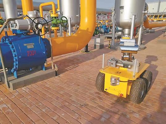 智能巡检机器人助力西气东输中卫压气站自主巡检