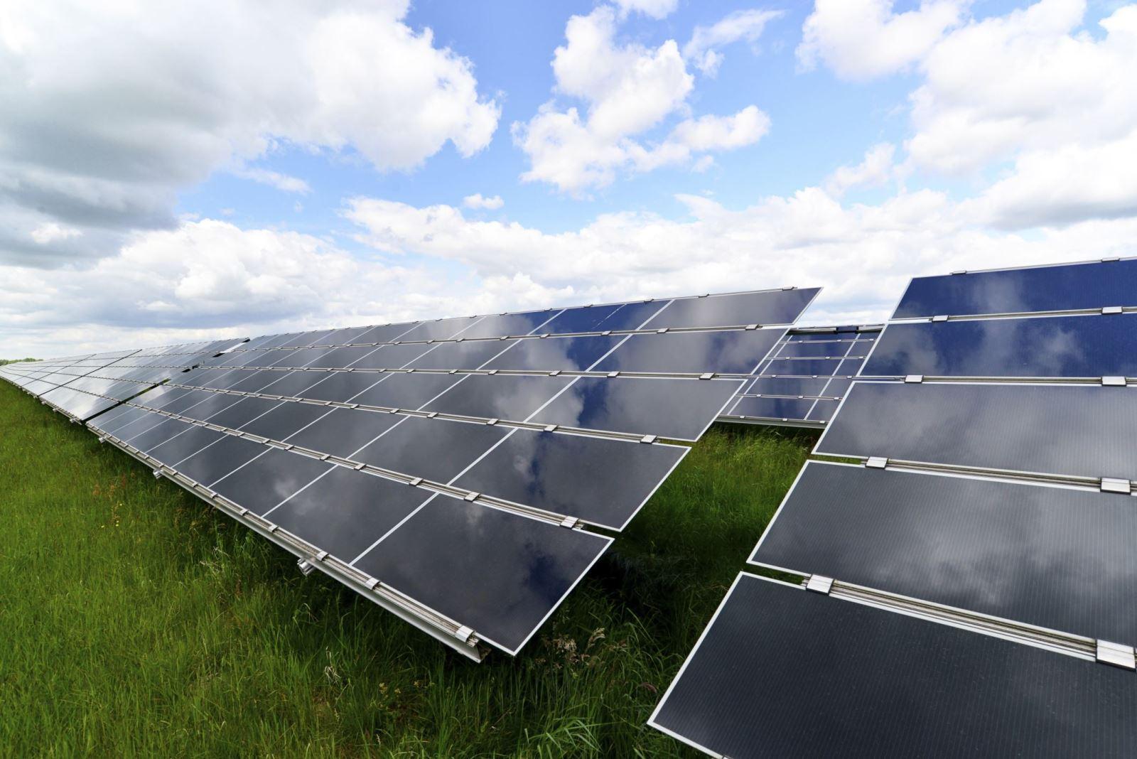 2020年我国集中式光伏发电指导价已逼近煤电价